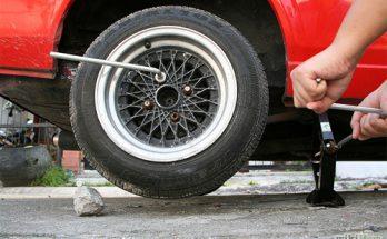Xử lý ô tô bị xịt lốp như thế nào nhanh gọn và hiệu quả