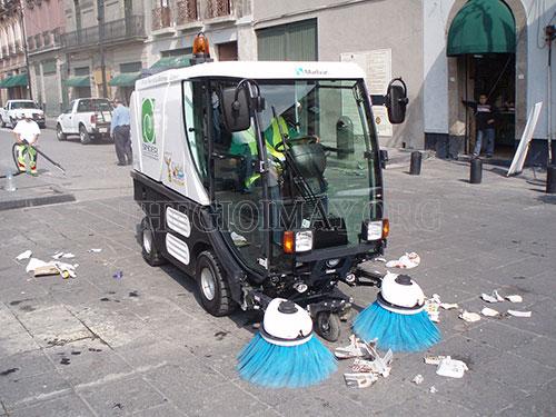 Máy quét rác ngồi lái có khả năng làm sạch rác tại nhiều nơi như đường phố, cơ quan, xí nghiệp