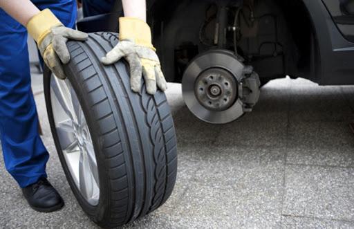 Thay lốp ô tô phù hợp để tránh độ ồn lớn