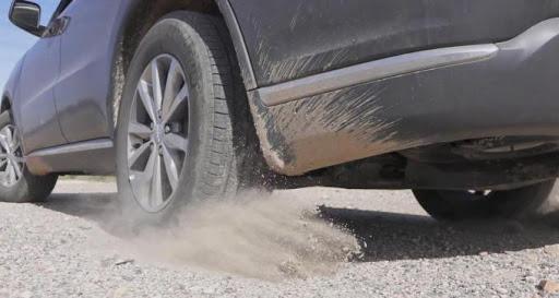 Điều kiện địa hình di chuyển xấu khiến lốp xe nhanh mài mòn