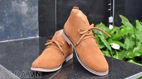 giày da lộn là sản phẩm giày được rất nhiều người sử dụng