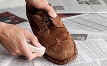 Sử dụng cục tẩy để làm sạch vết bẩn trên giày da lộn