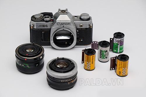 Ống kính máy ảnh và phim của máy ảnh Canon