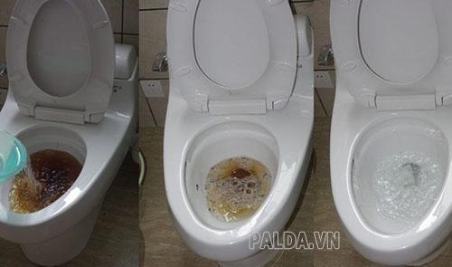 vệ sinh bồn cầu bằng cách gì