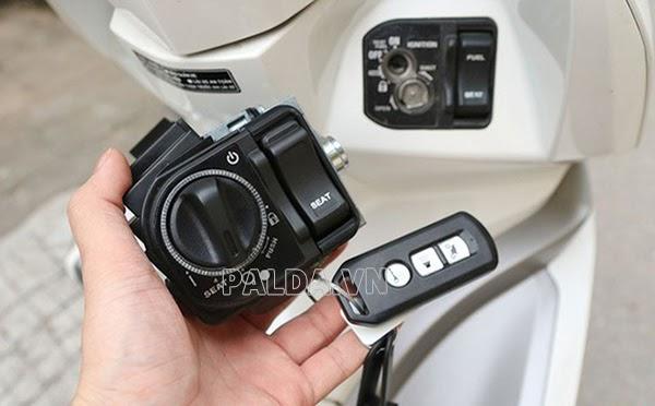 chìa khóa từ xe máy