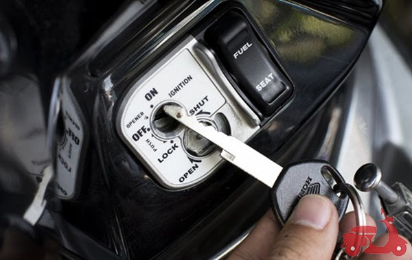 nguyên nhân xe máy bị lỏng ổ khóa