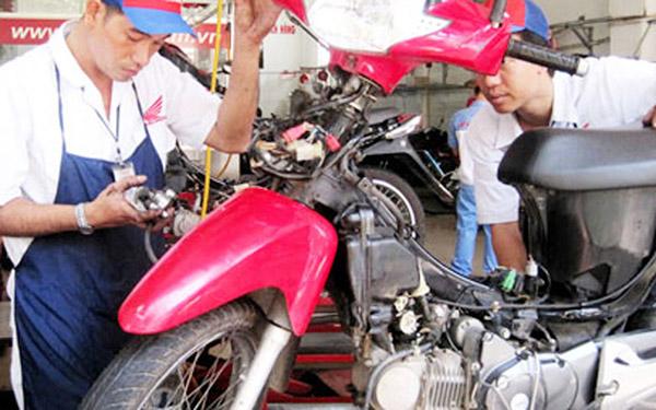 sửa chữa xe máy chảy xăng