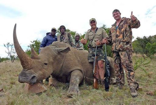 Nạn săn bắn động vật quý hiếm - Tê giác trắng đực cuối cùng